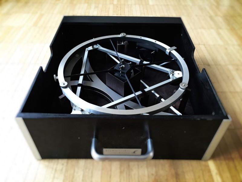 Inhalt der Transportbox für das Zubehör, wie etwa die Höhenräder, die Aluminium Gitterstangen, Aluminium Monoring mit Sekundärspiegel und den Okularauszug.