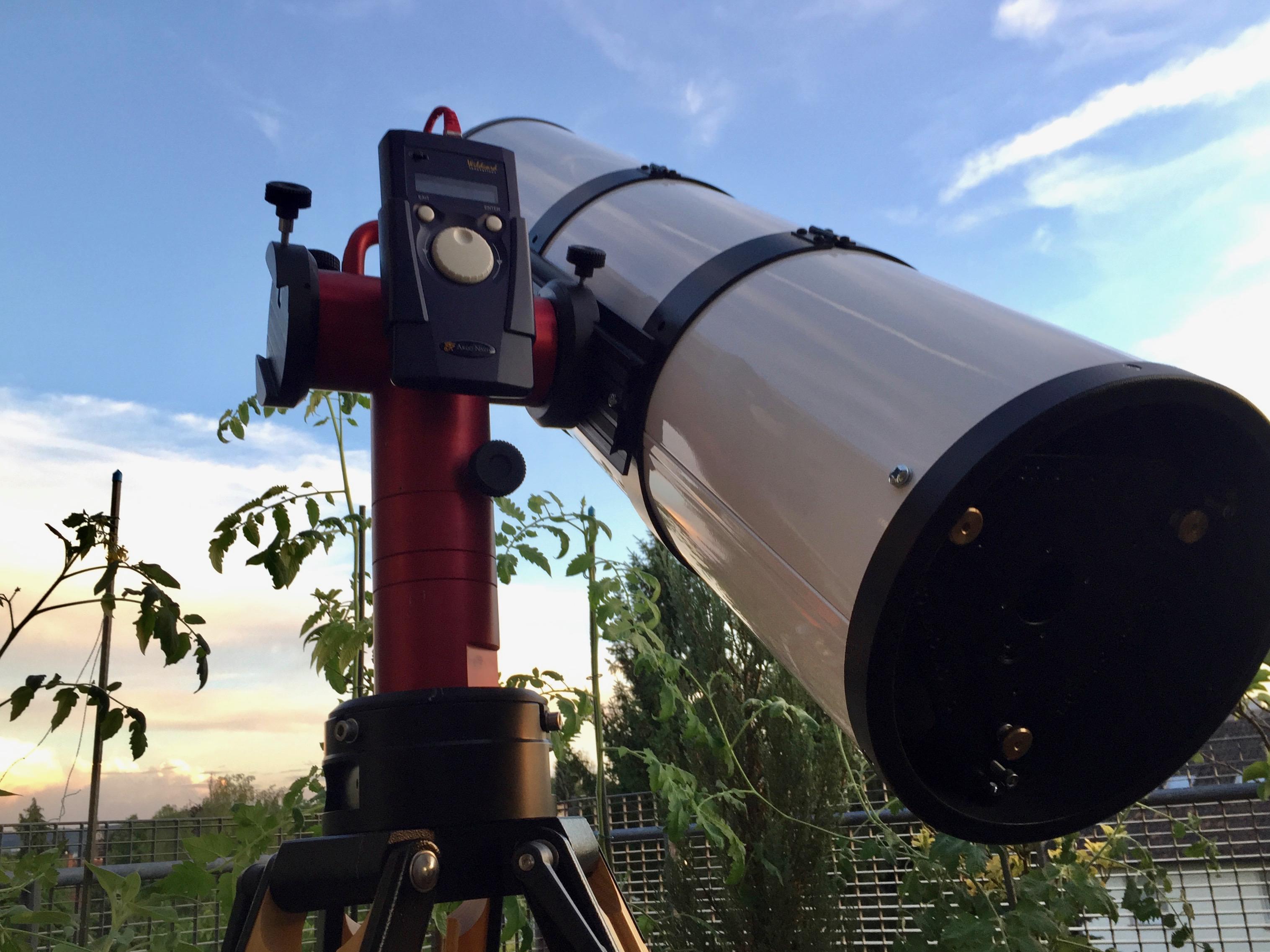 AOKswiss AYOdigi Montierung mit einem TS Photo-Newton 250/1200 auf einem Berlebach Planet Stativ.
