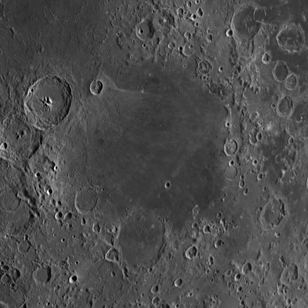 Mare Nectaris aufgenommen mit einem Orion OMC 200 Maksutov Cassegrain Teleskop und einer ZWO ASI 174 MM Kamera (Mondalter 7,2 d).