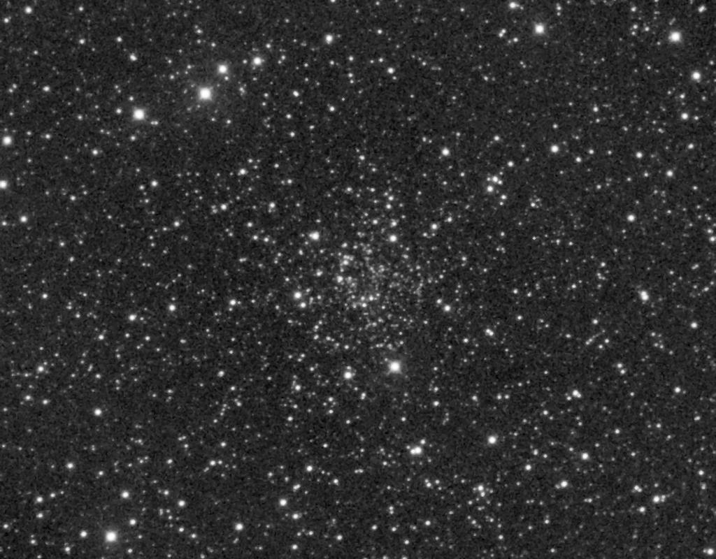 NGC 2141 aufgenommen mit einem Takahashi Epsilon 250 und einer SBIGST-8 CCD Kamera.